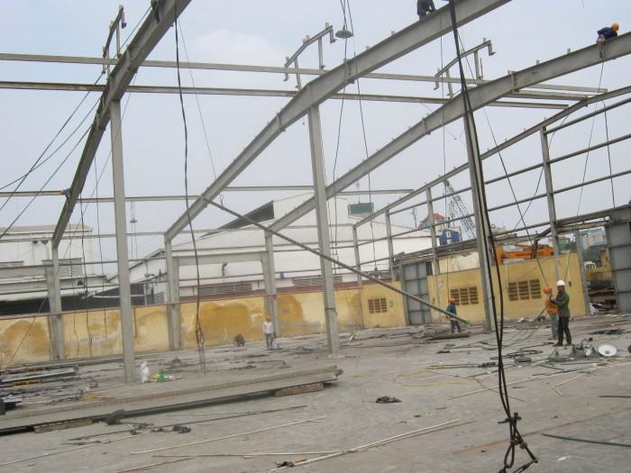 Tháo dỡ nhà xưởng tại TPHCM